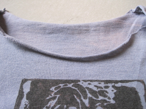 Pulling the cut fabric makes a nice rolled edge.