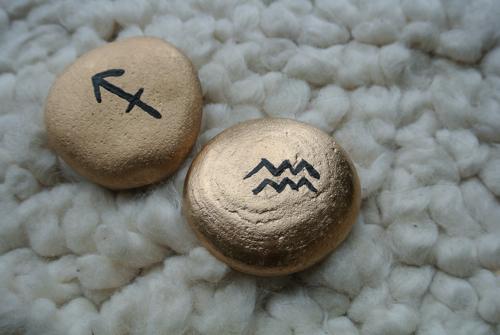 golden asrtology rocks diy craft project